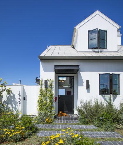 Hermosa-Beach-Monterey-Boulevard-Modern-Farmhouse
